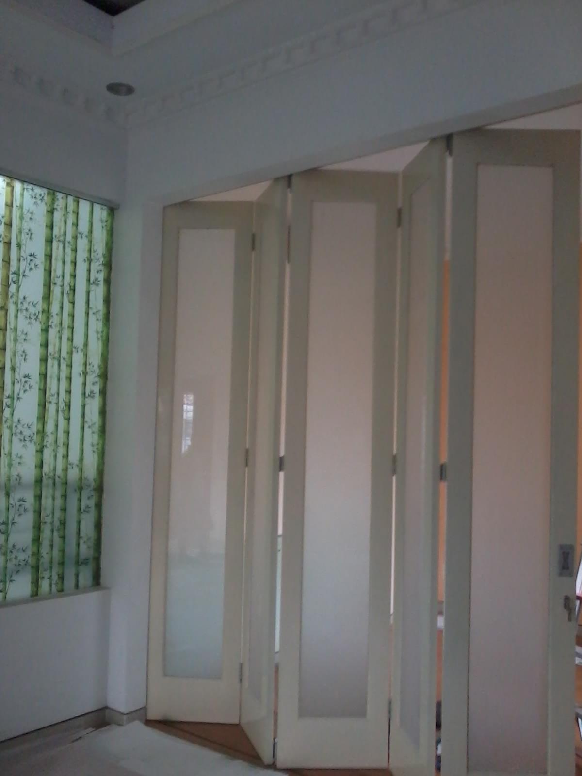 pintu lipat Partisi pintu lipat